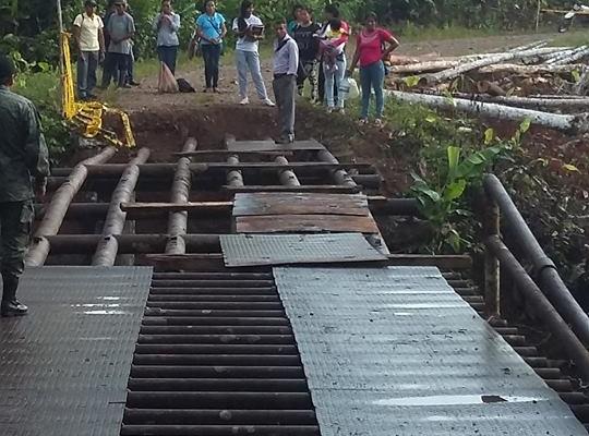 EL GAD NUEVO PARAÍSO Y GUAYUSA PLANIFICANDO LA RECONSTRUCCIÓN DEL PUENTE.